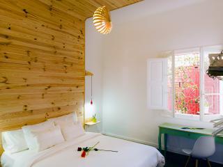 """Room """"Cueva"""" - Guesthouse Katanka - Las Palmas de Gran Canaria vacation rentals"""