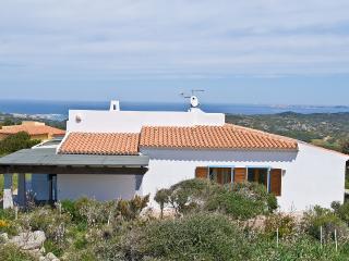 Moderna Villa con vista mare e WiFi - Santa Teresa di Gallura vacation rentals