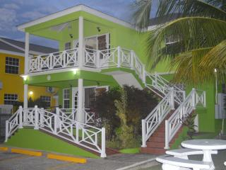 Best E Villas Three Bedroom Apt Prospect St.James - Prospect vacation rentals