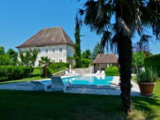 Bright 4 bedroom Les Avenieres Manor house with Internet Access - Les Avenieres vacation rentals