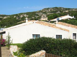 Bellissima Villa Indipendente con privacy e vista - Santa Teresa di Gallura vacation rentals