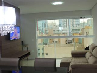 Bright 2 bedroom Itapema Condo with Television - Itapema vacation rentals