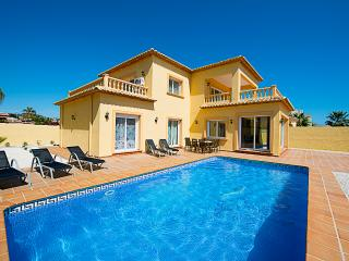 VILLA TIAGO: close to sandbeach, private pool - Calpe vacation rentals