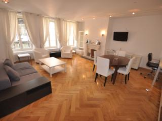 Romantic 1 bedroom Apartment in Geneva - Geneva vacation rentals