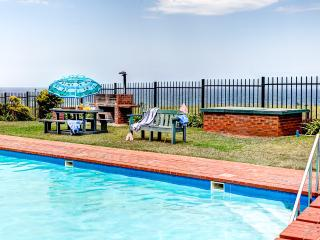 Nice Condo with Internet Access and Shared Outdoor Pool - Illovo Beach vacation rentals