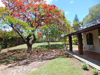 Nice Cottage with Internet Access and Satellite Or Cable TV - Capela do Alto vacation rentals