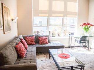 "Modern Santana Row condo facing the ""Row"" - San Jose vacation rentals"