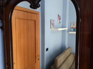 Romantic 1 bedroom Turin Apartment with Internet Access - Turin vacation rentals