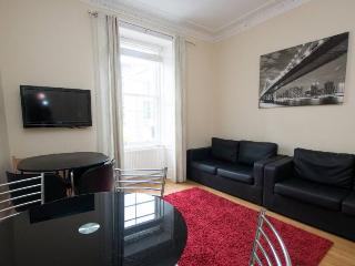 Central Apartment - Edinburgh vacation rentals