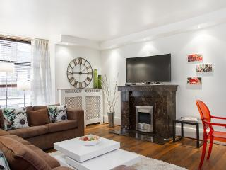 Oxford Street! LUXURY*BUDGET*BIG*DESIGN HOME* UP TO 8*QUIET*SAFE*CENTRAL*CLEAN* - London vacation rentals