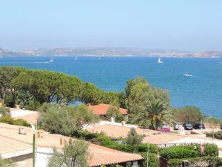 Residence Club Cala Bitta Trilo 2 bath sleeps 6 - Baia Sardinia vacation rentals