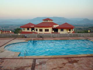 Dazzle - 7 Bed Private Pool Karjat Villa - Karjat vacation rentals