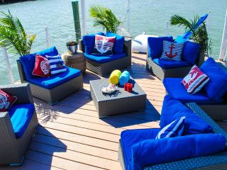 Comfortable HouseBOAT, water life close to Sunny Beach - Sunny Isles Beach vacation rentals