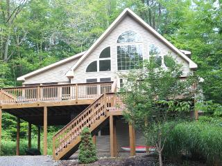 Silver Seasons Lodge - $100 OFF - Arrowhead Lake - Pocono Lake vacation rentals