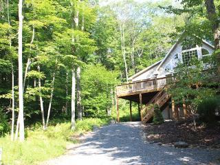 Silver Seasons Lodge - $100 OFF - Arrowhead Lake - Pocono Lake vacation rentals