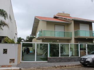 Condominio fechado com o pé na areia - Campeche vacation rentals