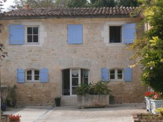 2 bedroom House with Internet Access in Champagnolles - Champagnolles vacation rentals