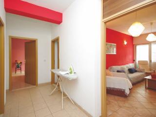 Cozy 3 bedroom Condo in Makarska - Makarska vacation rentals