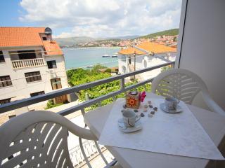 TH01814 Apartments Tonka / Two bedrooms A2 - Okrug Gornji vacation rentals