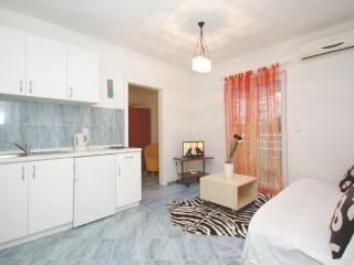 A-2 Apartments Makarska - Makarska vacation rentals