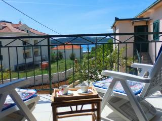 Lovely Villa with Internet Access and A/C - Okrug Gornji vacation rentals
