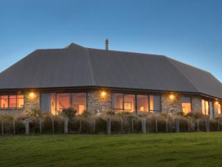 Tiromoana - Catlins Ocean View Accommodation - Owaka vacation rentals