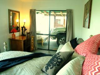 Nice Guest house with Housekeeping Included and Television - Moeraki vacation rentals