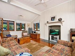 Three Bedroom Home with Parking & Wifi - Brisbane vacation rentals