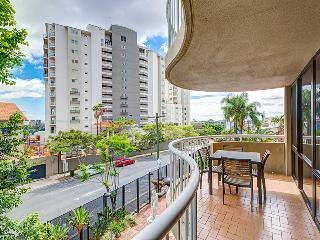 Two Bedroom Unit in South Brisbane walk to Train - Brisbane vacation rentals