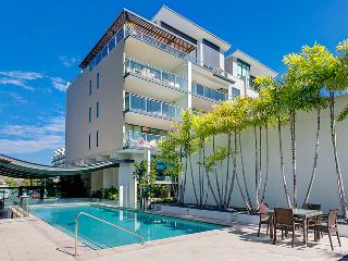 Two Bedroom Unit in West End with Pool and Wifi - Brisbane vacation rentals