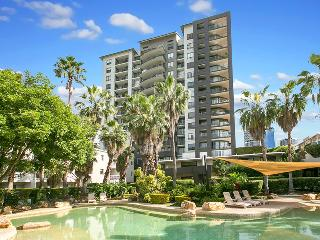 Two Bedroom Unit in heart of Kangaroo Point - Pool - Brisbane vacation rentals