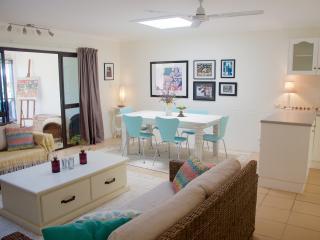 3 bedroom Villa with Internet Access in Port Douglas - Port Douglas vacation rentals