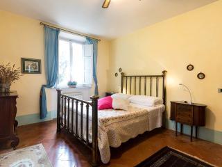 Villa Maria Vittoria Apt. Rosa - Capannori vacation rentals