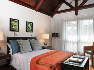 Almira Luxury retreat by AdventureMauritius - Poste Lafayette vacation rentals