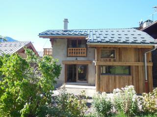 Le Sapé, charming chalet, domaine Paradiski - Champagny-en-Vanoise vacation rentals