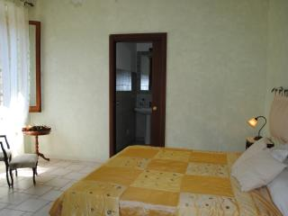 3 bedroom B&B with Internet Access in Gonnesa - Gonnesa vacation rentals