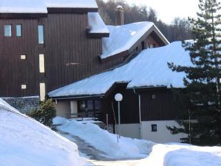 LE MOTTAY - Montalbert vacation rentals