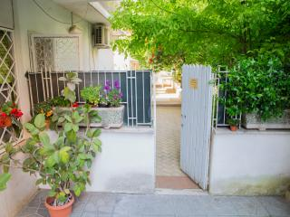 Gianicolo Home Garden - Rome vacation rentals