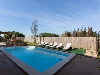 Beautiful Villa with Internet Access and Shared Outdoor Pool - Calas de Majorca vacation rentals