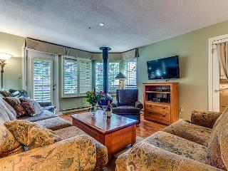 Acer Vacations | Whistler Town Home - Cozy 2 Bedroom Mountainside Lodging - Whistler vacation rentals