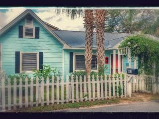 Charming Destin vacation Cottage with Internet Access - Destin vacation rentals