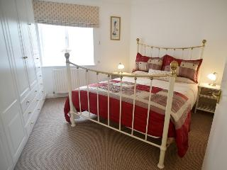 Town centre apartment with parking - Bury Saint Edmunds vacation rentals