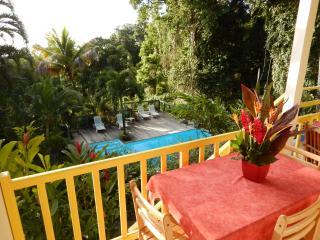 Les Jardins de l'espérance, gîte pour 2 à 4 person - Bouillante vacation rentals