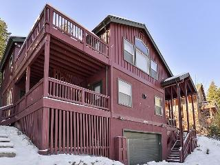 The Perfect Tahoe Donner Get-Away Vacation Home with a Hot Tub! - Truckee vacation rentals