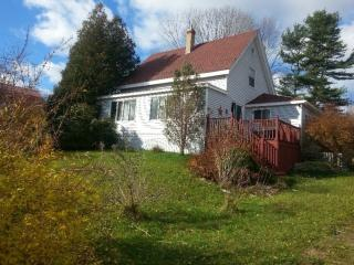 Lovely 3 bedroom Granville Ferry House with Internet Access - Granville Ferry vacation rentals