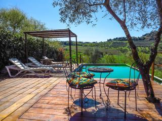 Porzione Casale nel Chianti con piscina panoramica - Tavarnelle Val di Pesa vacation rentals