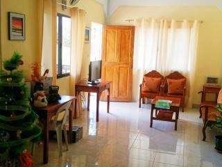 EMY'S PLACE - Coron vacation rentals