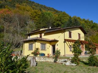 Nice Farmhouse Barn with Outdoor Dining Area and Television - Greccio vacation rentals