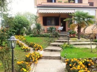 Villa Fiore: romantically in Milan - Mulazzano vacation rentals