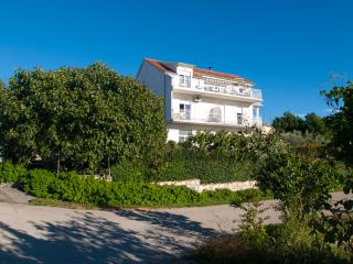 TH00537 Apartments Senka / Studio A2 - Brodarica vacation rentals